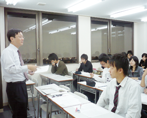 京都洛西予備校の授業中